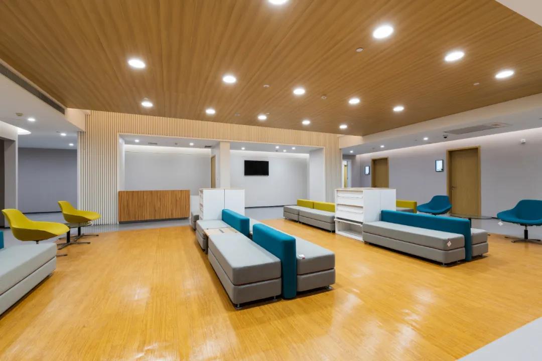 震旦医疗家具-体检等候空间
